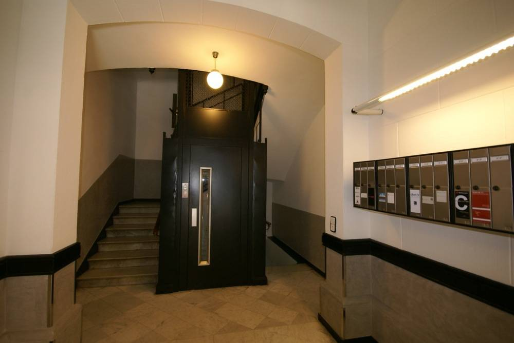 Hall ascensor