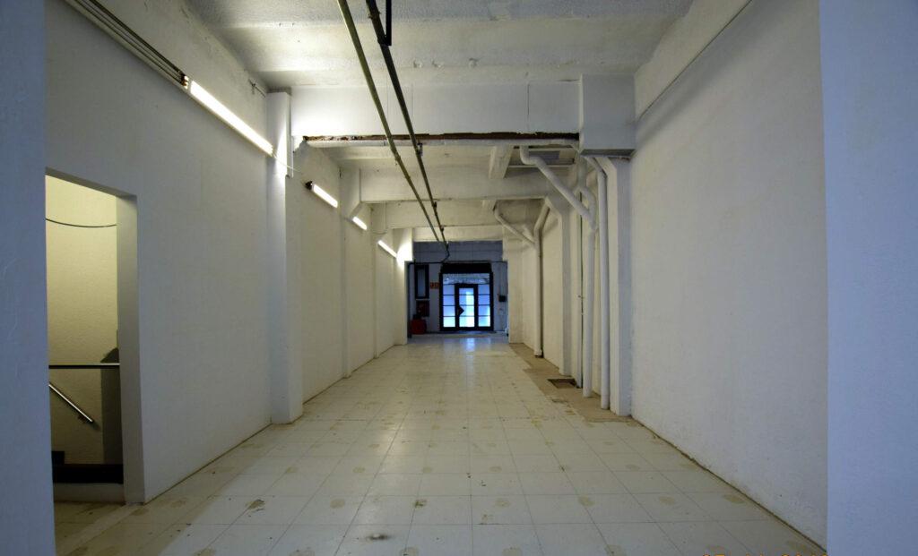 entrada izquierda